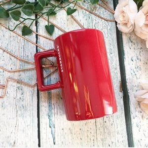 Starbucks 2018 red coffee mug cup ceramic holiday